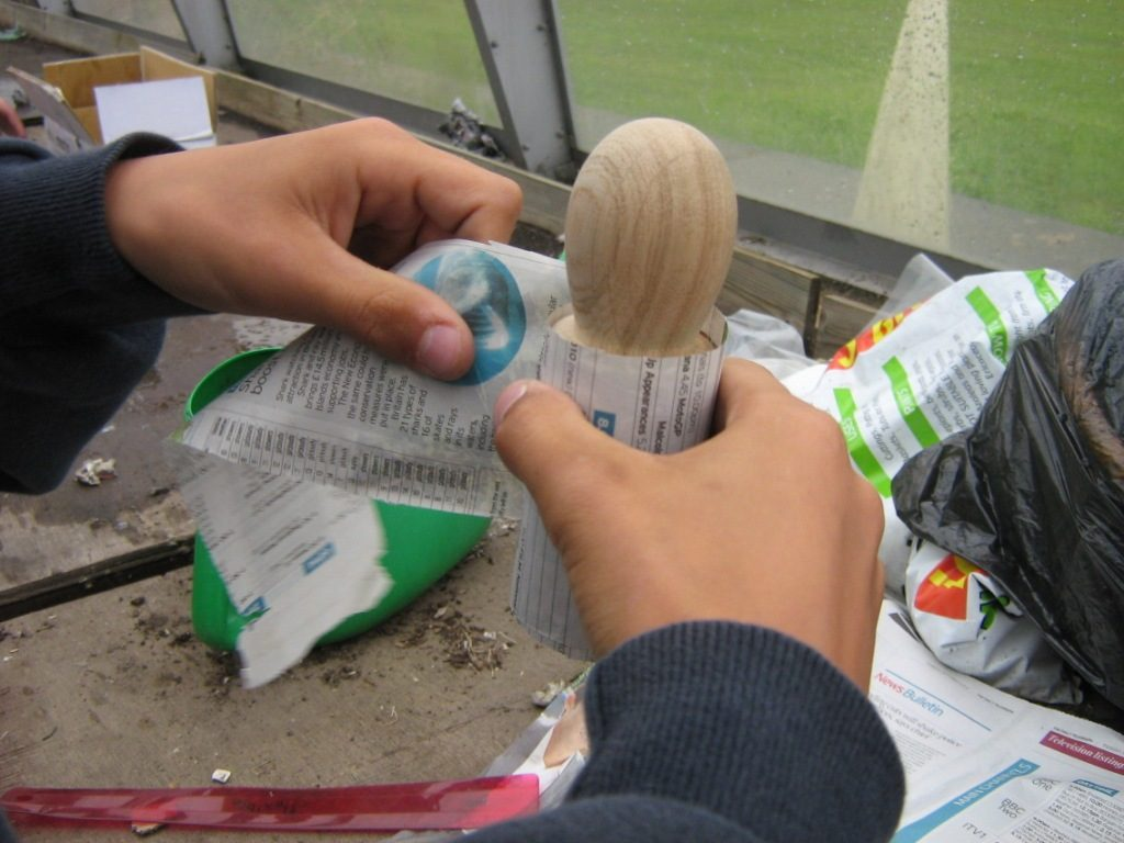 Making paper Seed pots