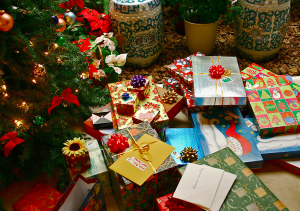 Christmas tree and presents, Image by Kelvin Kay, Creative Commons